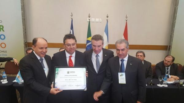 Leite es distinguido en Brasil por su gestión integrando a Paraguay con el vecino país