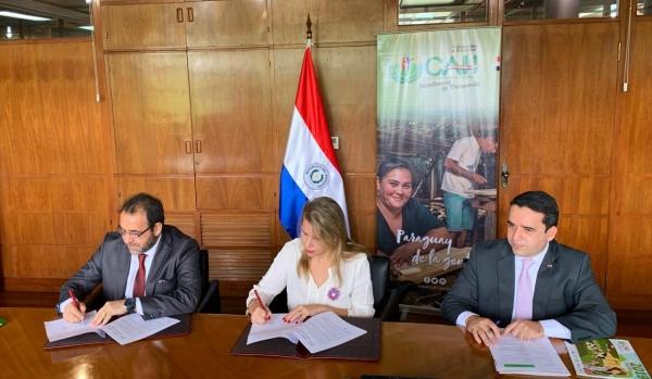 MIC Y CAH firman convenio con miras a potenciar a las MIPYMES, con producto financiero para el sector